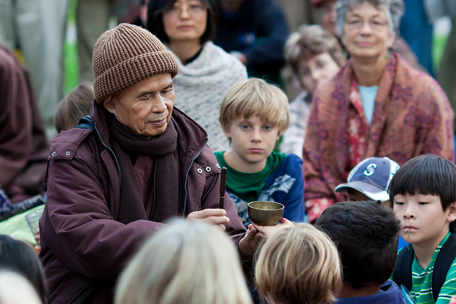 Thich Nhat Hanh, Inviting the Bell with Children, Vancouver (8/1
